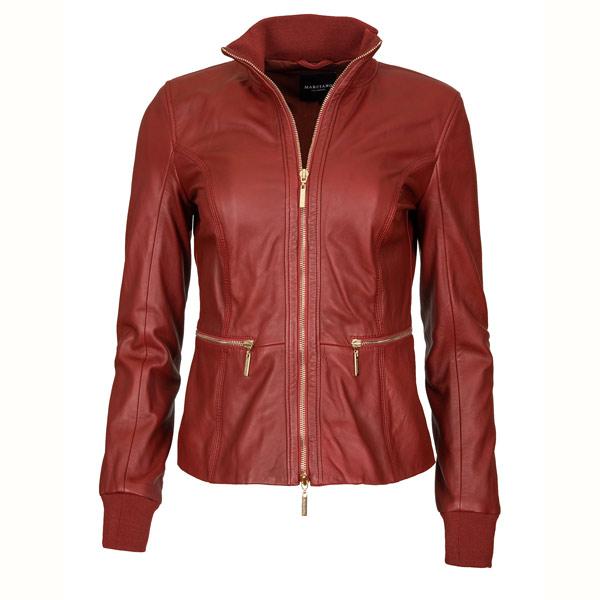 LIVE WILD: Ob zur Jeans oder zum Businesslook: Die rote Lederjacke von Marciano passt auf jeden Fall.